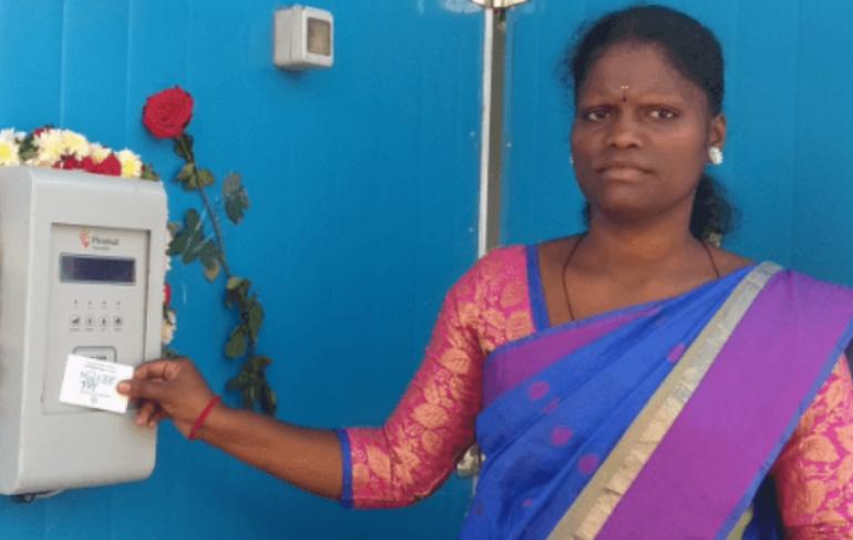 women-with-sarvajal-card